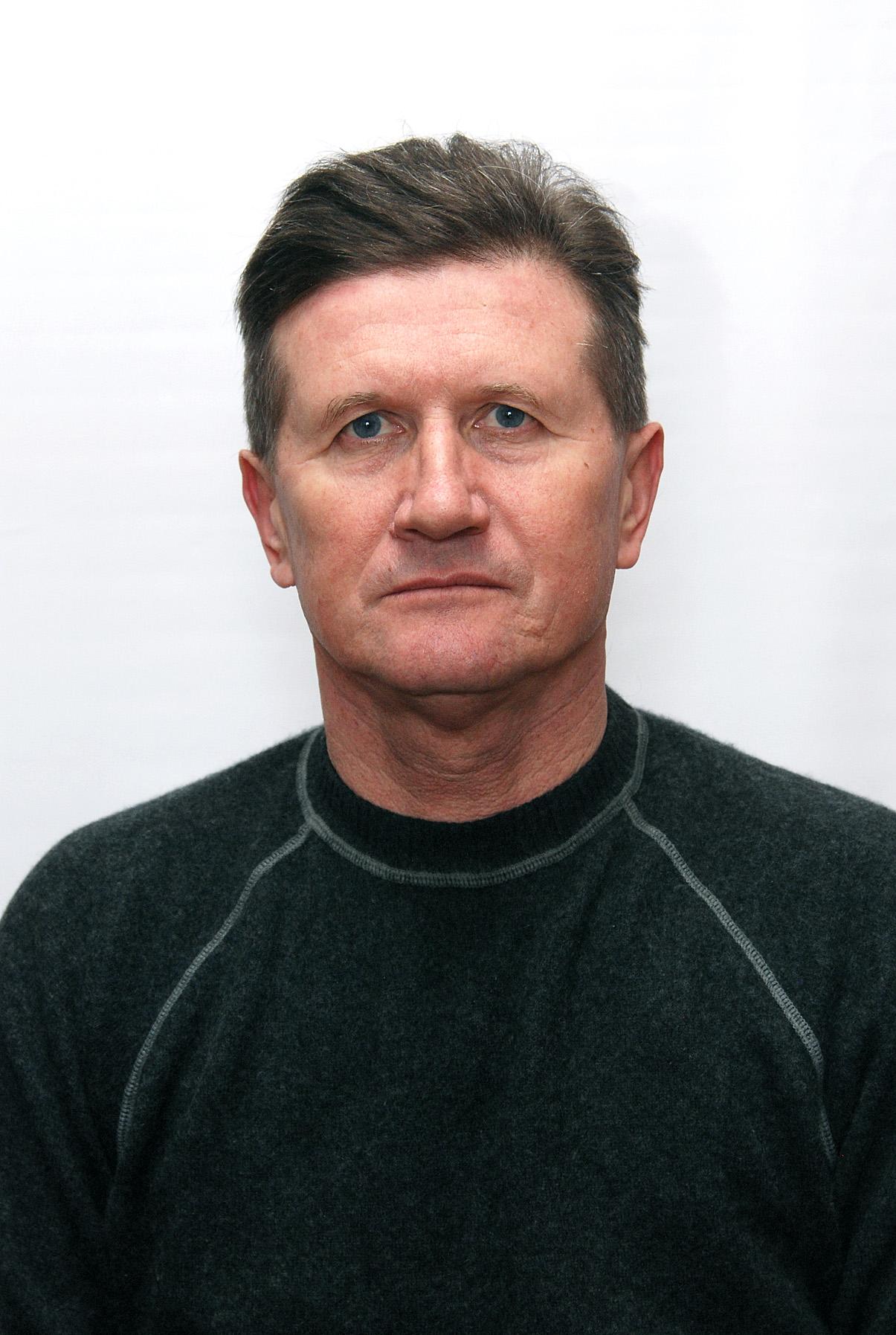 Блюдо Віктор Григорович – викладач вищої категорії.