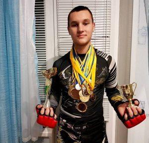 Зінченко Владислав, у розділі «Борня -2» посів І місце і став чемпіоном України